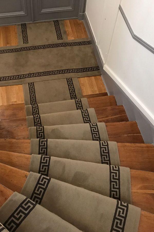 Passage d'escalier immeuble pour usage intensif